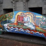 Amsterdam'da sokakta sanat eseri bir koltuk