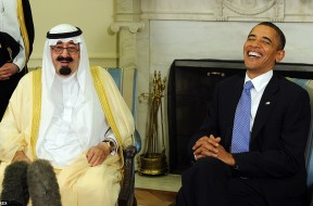 24F5991B00000578-2922592-The_late_Saudi_king_pictured_here_with_President_Obama_in_2010_h-a-72_1422026323573